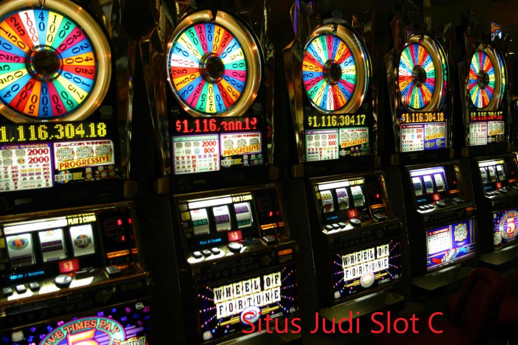 Ciri Judi Slot Online
